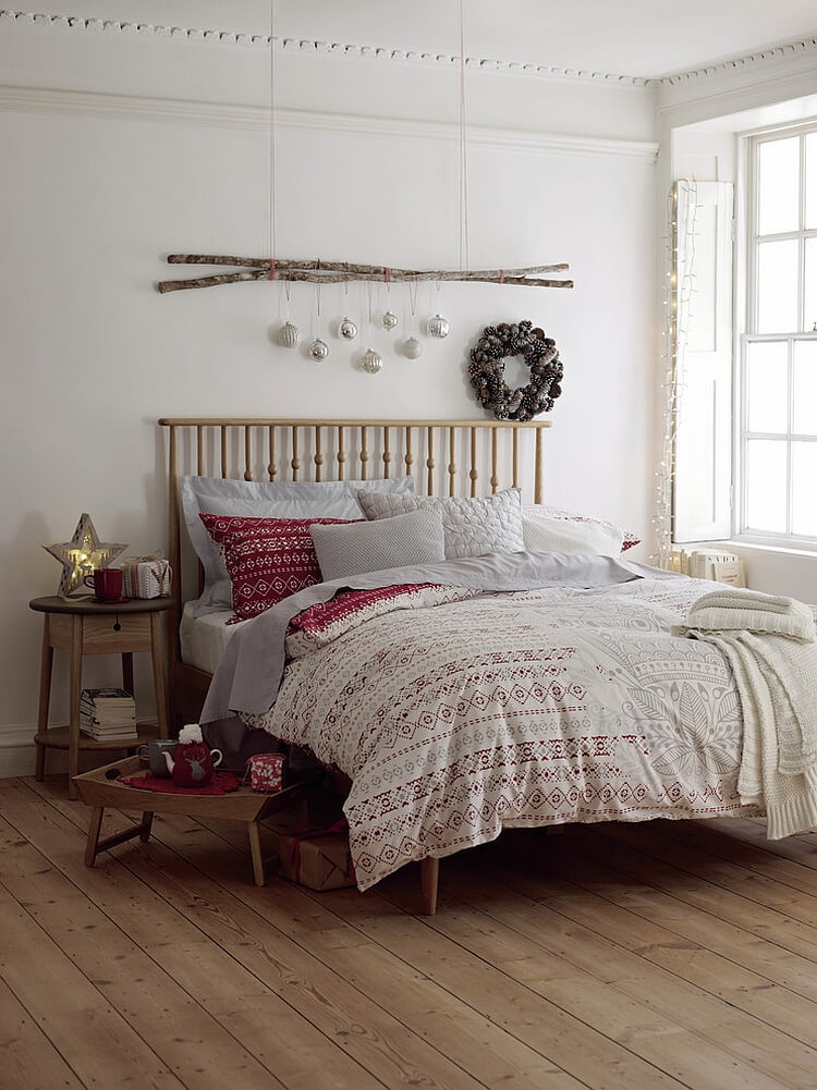 Charming Scandinavian Christmas bed decor