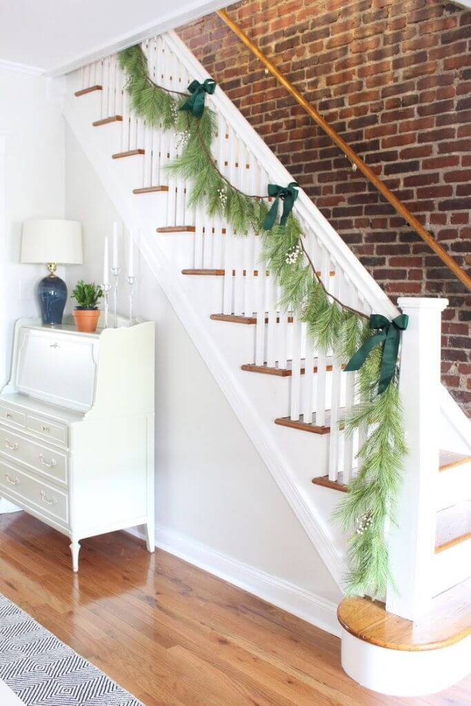 Minimal staircase Christmas decorations