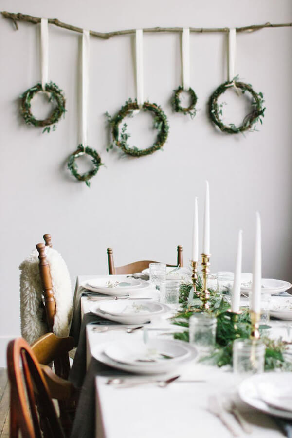 Simple practical decor in the dining room