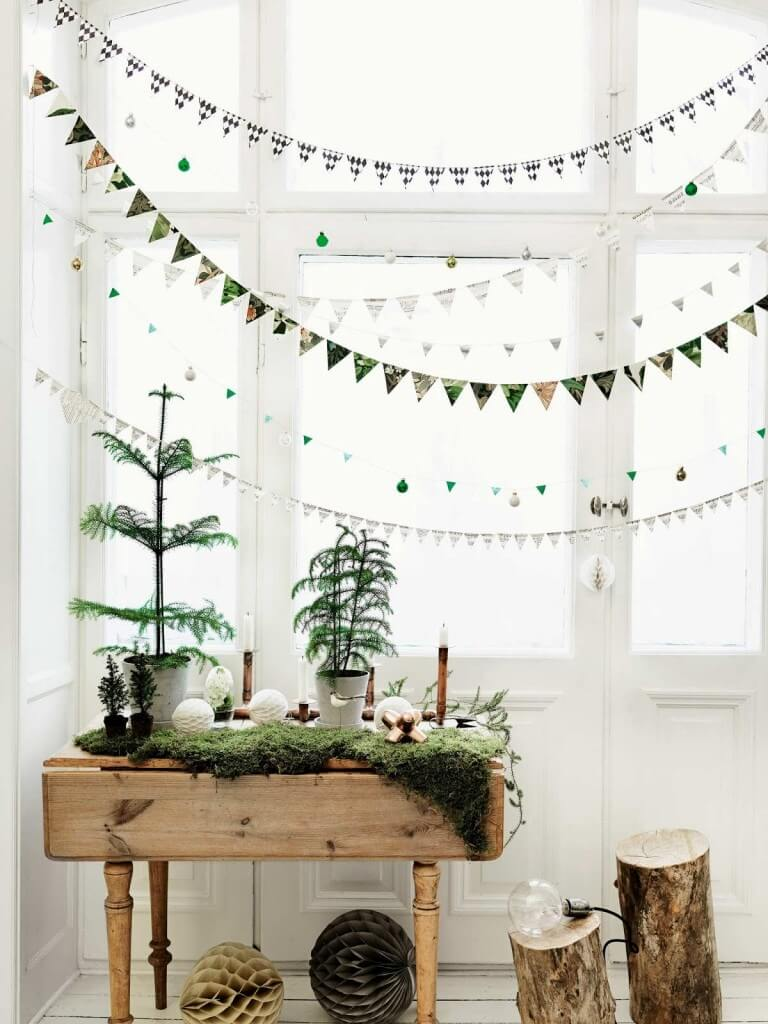 Festive room Minimalist Christmas decor