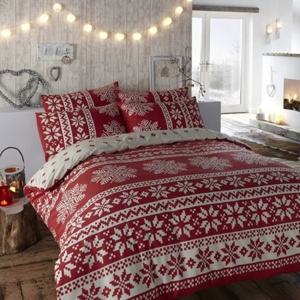 Simple Christmas decor for bedroom