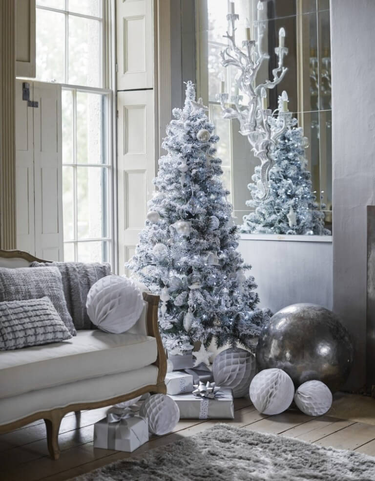 Living room Silver white Christmas decor