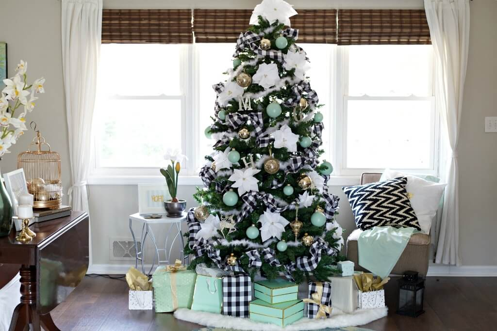 Cool Plaid Festive Christmas tree