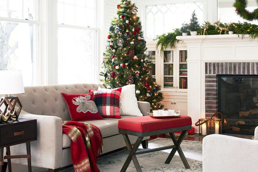 Cozy living room Christmas tree