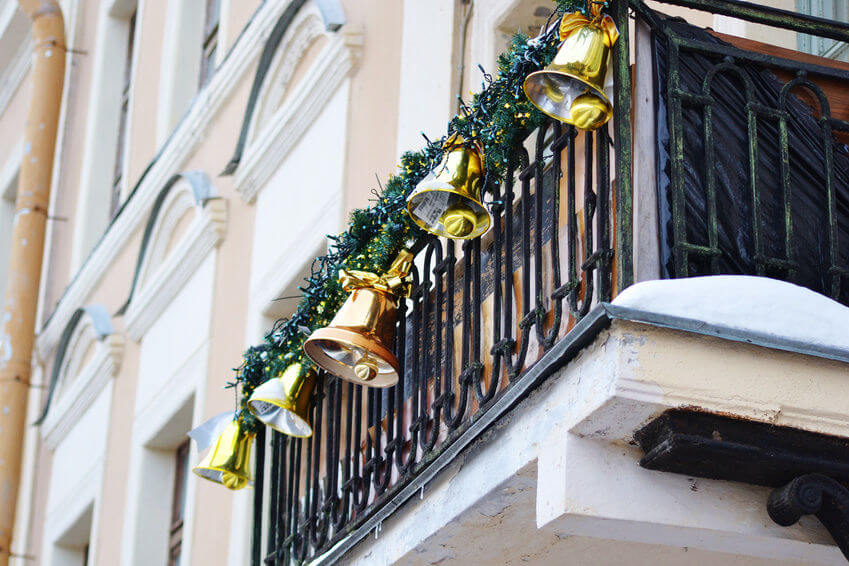 Jingle Bell's balcony decoration