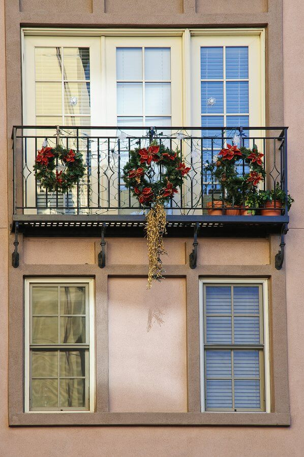 Christmas wreath balcony decoration