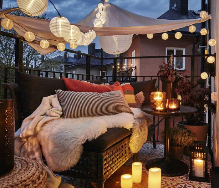 Candles and a lanterns balcony decor