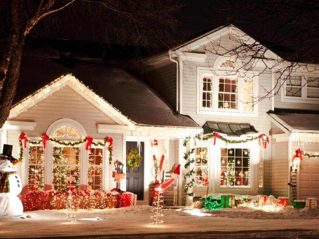 Traditional Front Yard Christmas Decoration