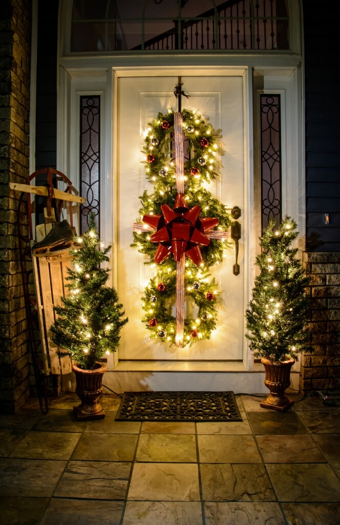 Outdoor decorations for Christmas wreath Tri