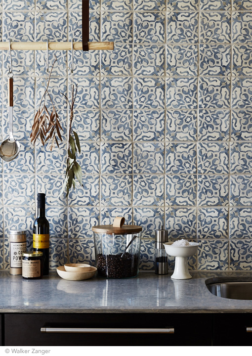 Modern patterned kitchen wall tiles