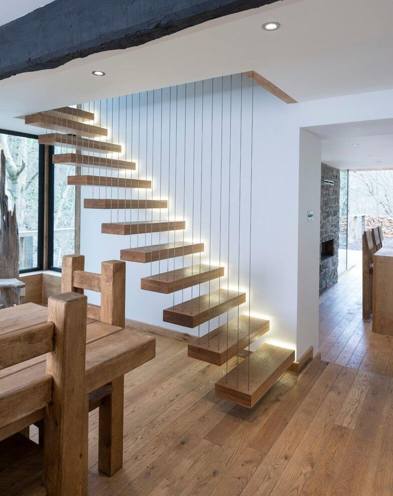 Uplifting modern wooden staircase design