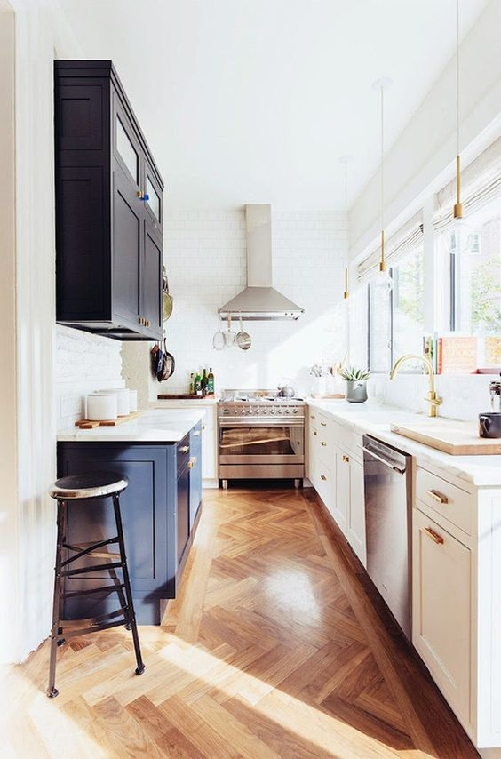 Marble countertops Shiny Tiny Kitchen