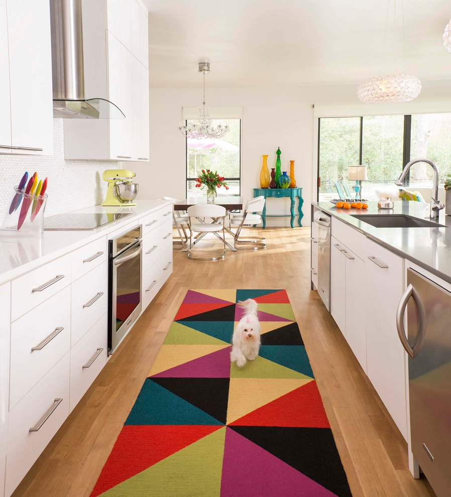 Sophisticated design with colorful carpet