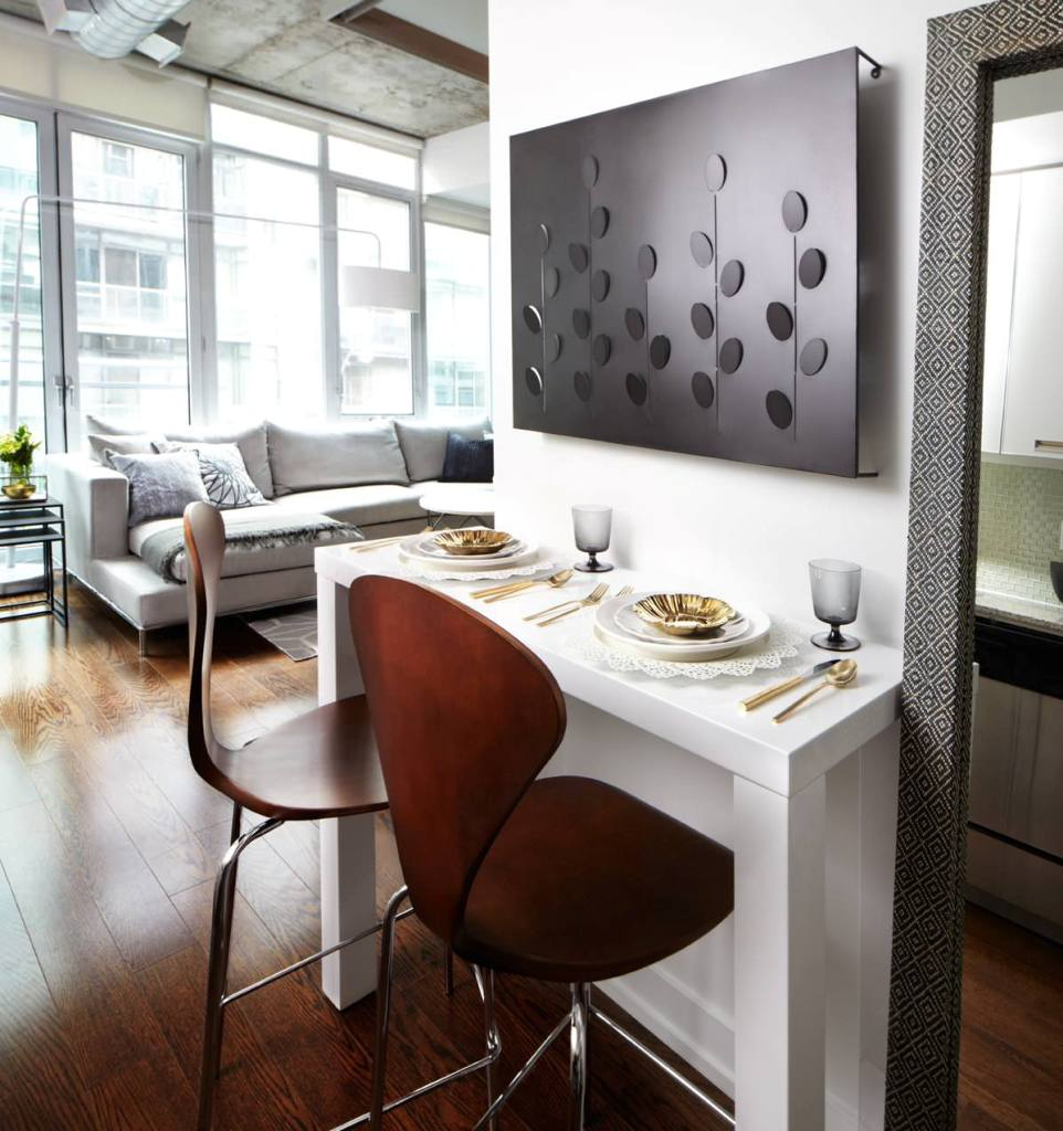 Small dining area to stay