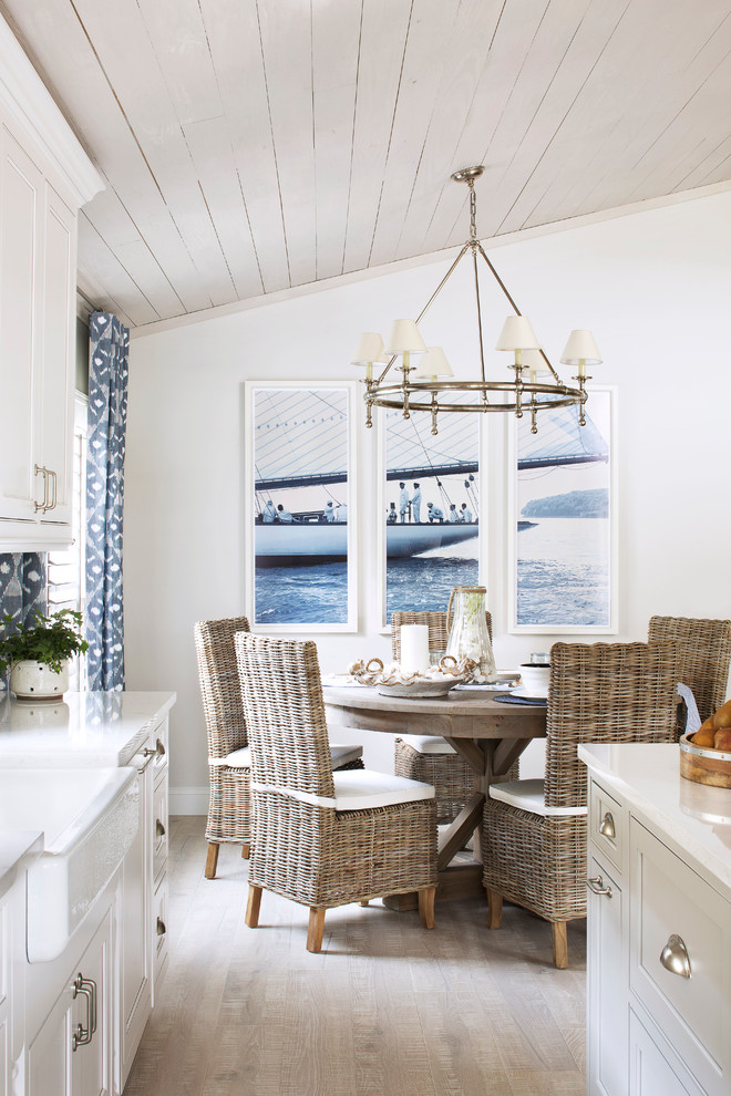 Medium beach dining room