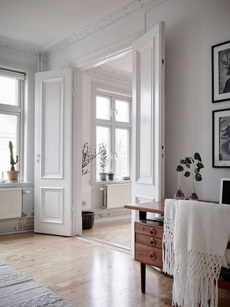 modern Nordic style mix of black and white decor