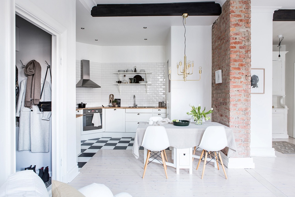 White living room kitchen. Small dining areas. Ideas for combining decoration