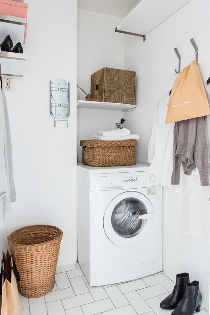 Small rack private laundry room