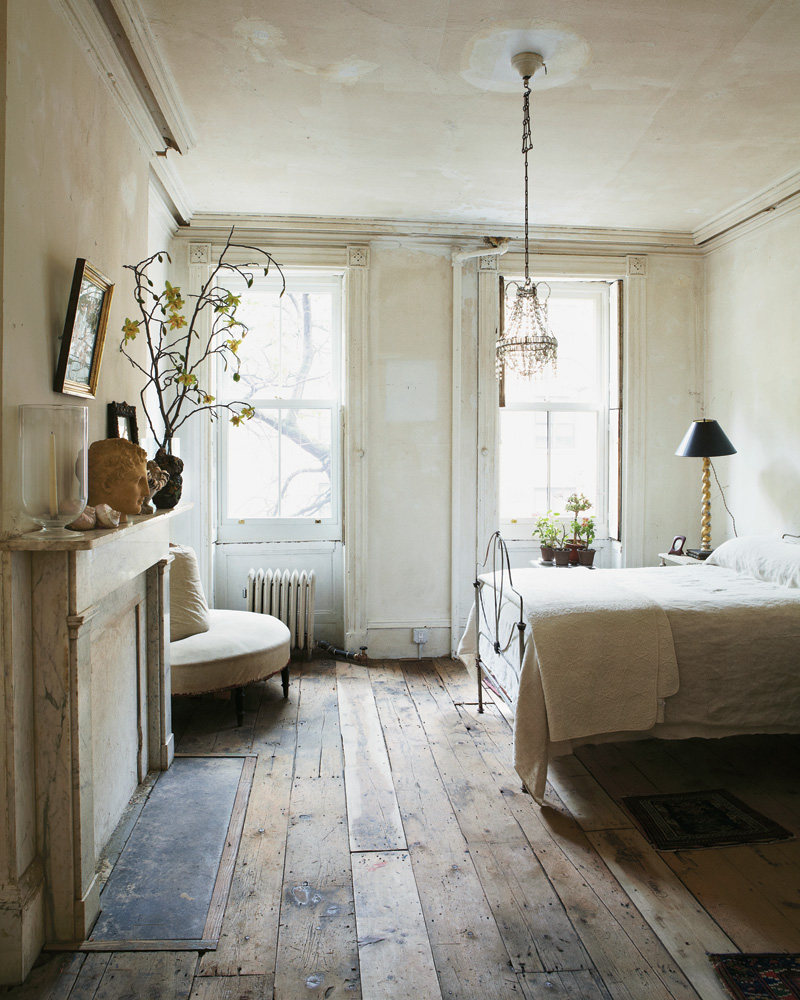 minimalist vintage bedroom