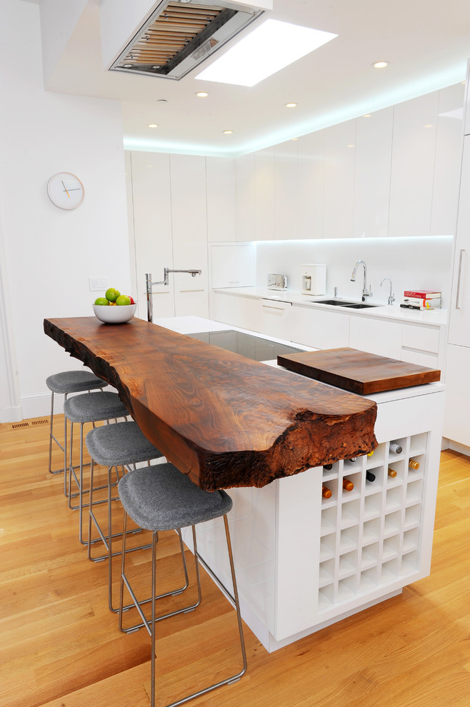 Kitchen counter in wood
