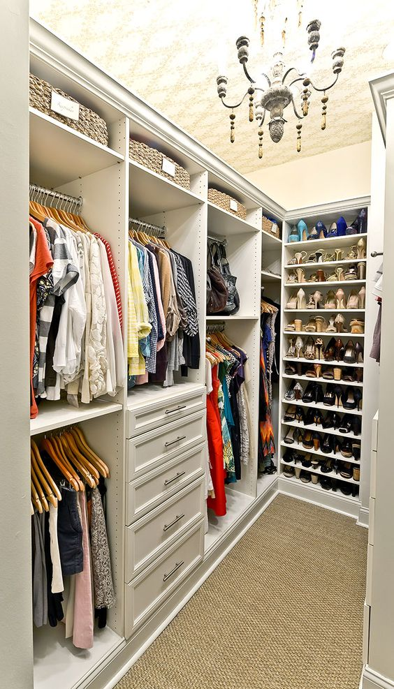 small space vertical shape wardrobe design