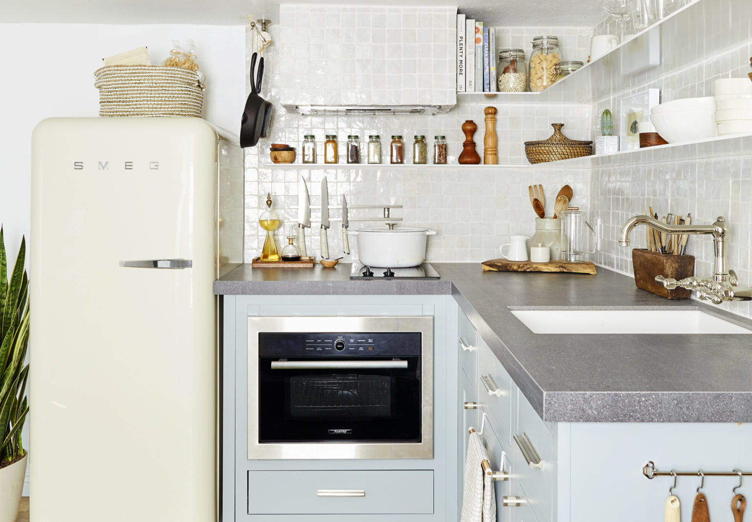 Small kitchen designs for little ones