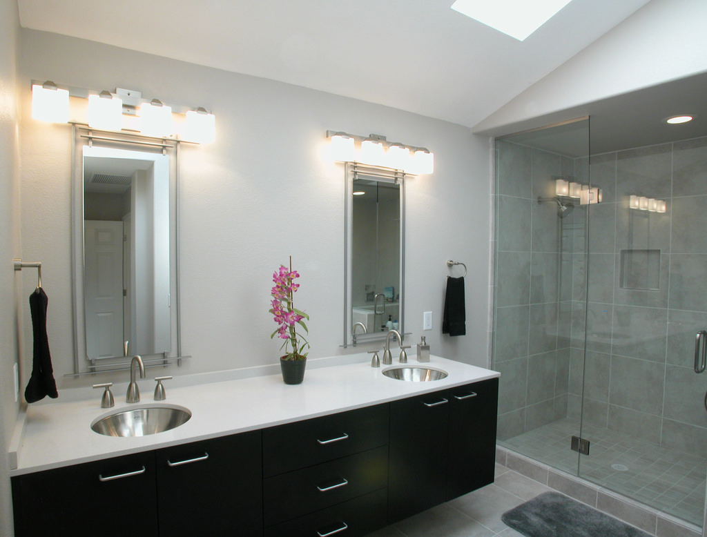 Smart bathroom lights 9