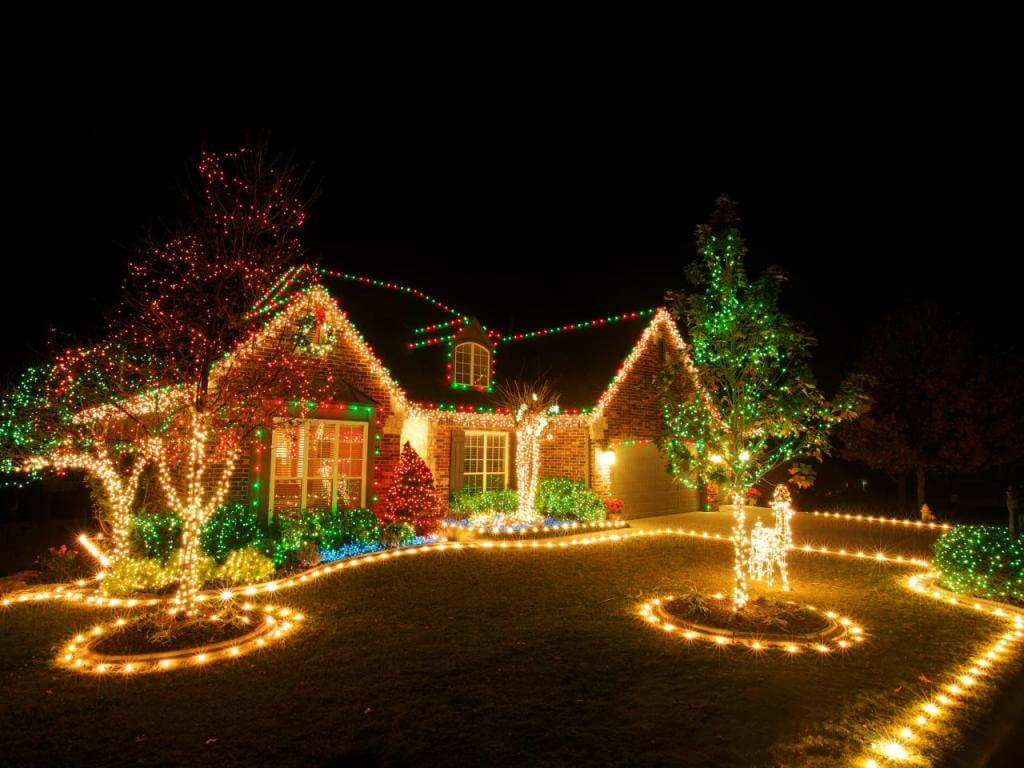 Front Lawn Christmas Lights Decoration