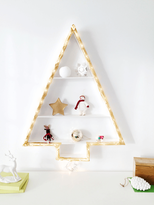DIY space-saving Christmas tree