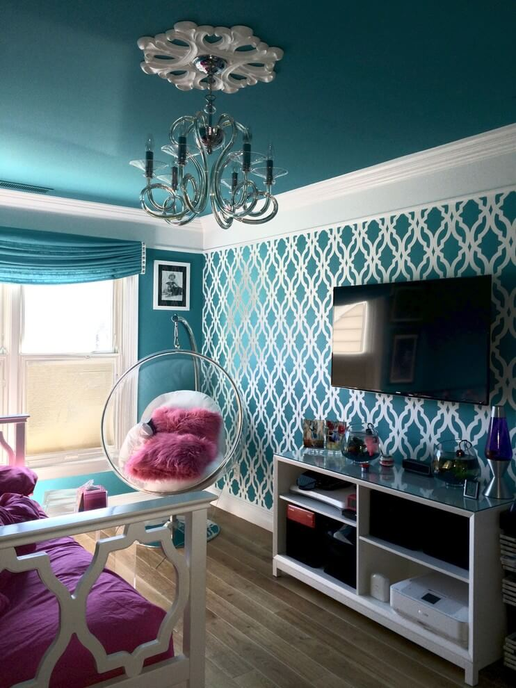 Bold colors turquoise bedroom design