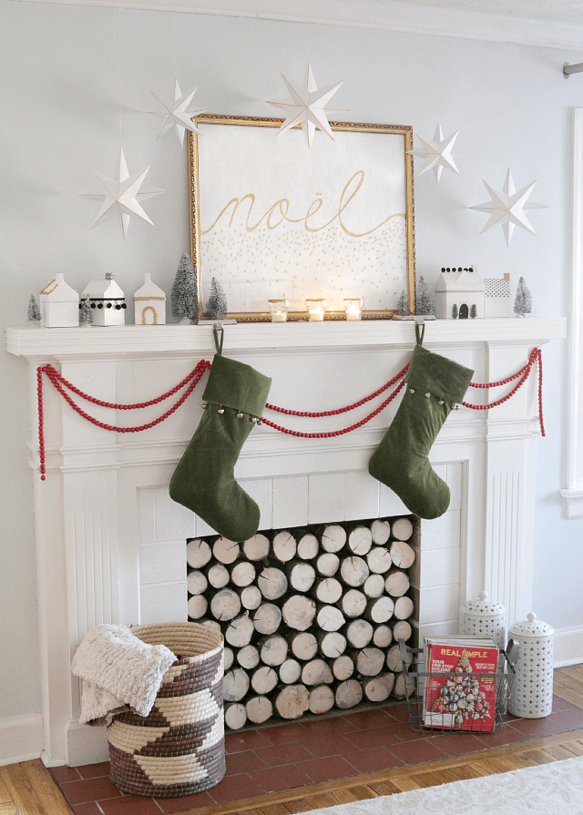 Simple Scandinavian Christmas mantle