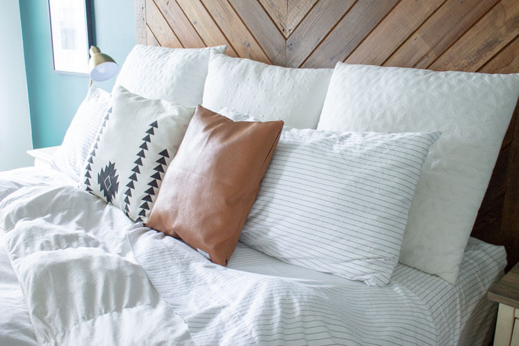 4 Ways to Make Your Bed Cozy - My Breezy Ro