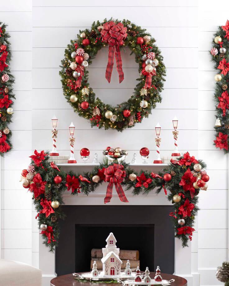 Traditional Christmas mantle decoration