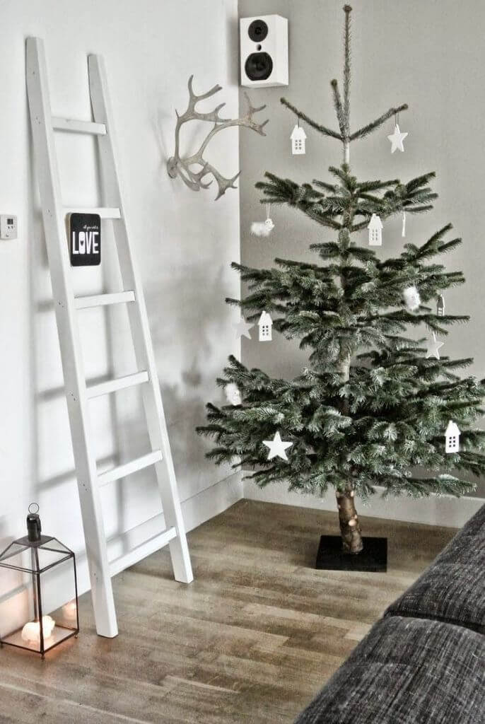 Minimal Christmas tree decoration