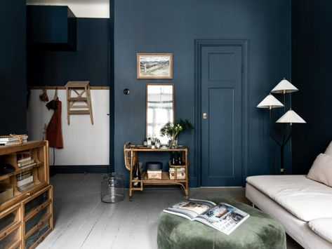 Apartment In Sweden With Shades Of Dark   Blue Interiors