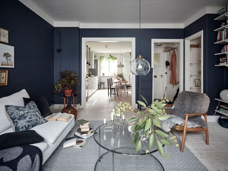 A Charming & Relaxed Swedish Home In Blue And White | Blue living .
