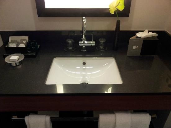 Bathroom hand wash basin - Picture of Sofitel Brussels Europe .