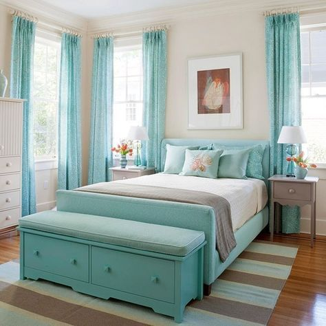 25 Cool Beach Style Bedroom Design Ideas | Cottage style bedrooms .
