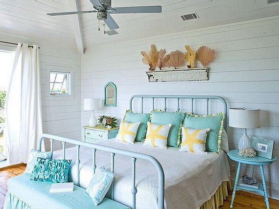 16 Beach Style Bedroom Decorating Ide