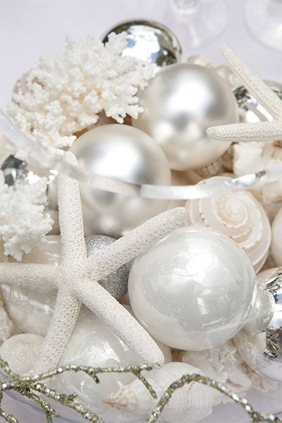 Beach Christmas Table | Beach christmas, Coastal christmas decor .