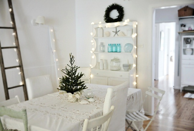 Christmas Decorating Beach Cottage Style « life by the sea life by .