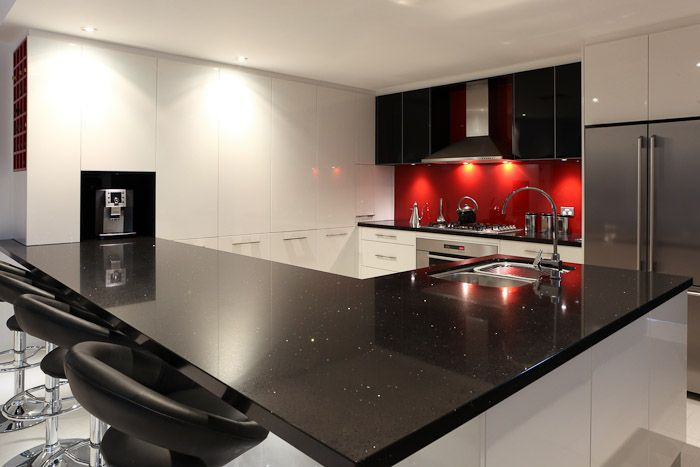 black, white, and red kitchen | Black, white and dazzling red .