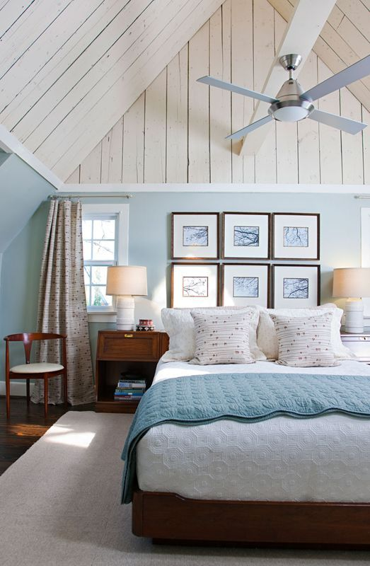 Lovely blue and white beach cottage bedroom. #home #decor .