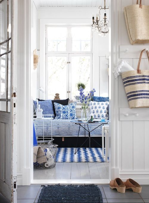 white and blue – cool and crisp | Ho