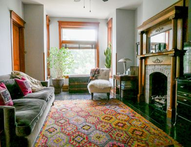 Chicago Greystone Home with Bohemian Style Sleeps 6 - Upto