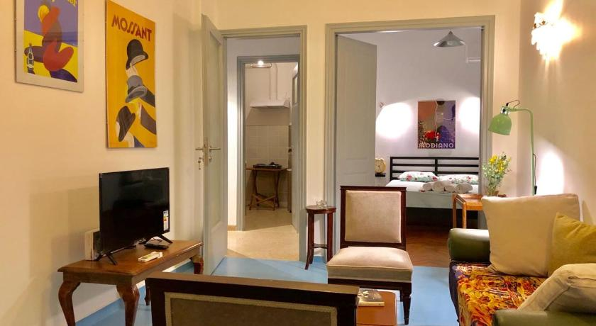 PopUp Art Apartment 2 - Bohemian Style in Athens - Room Deals .