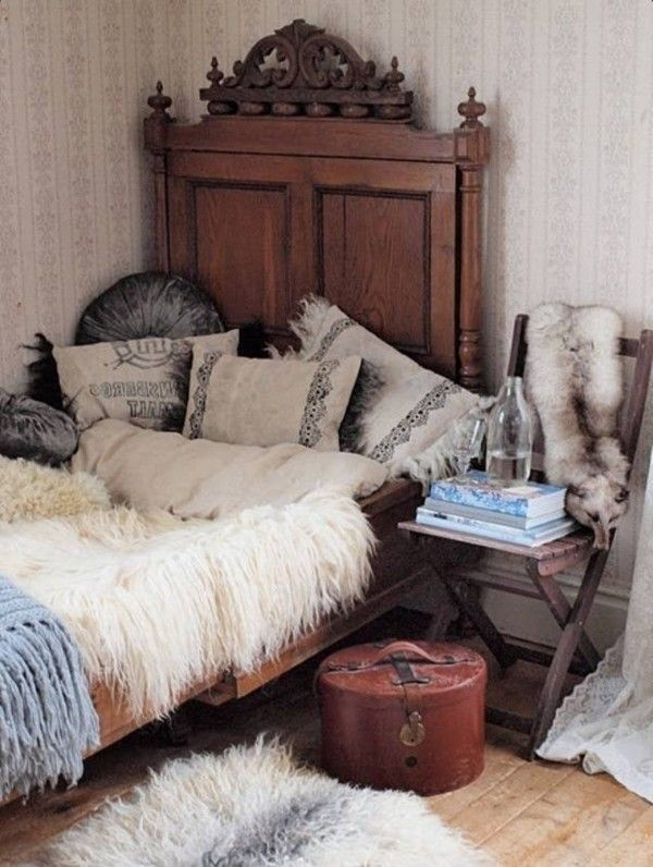 rustic bohemian bedroom ideas. Great for those Minnesota winters .