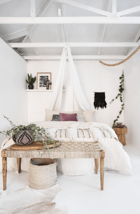 45 Wonderful White Walls Interior Ideas | Bohemian bedroom decor .