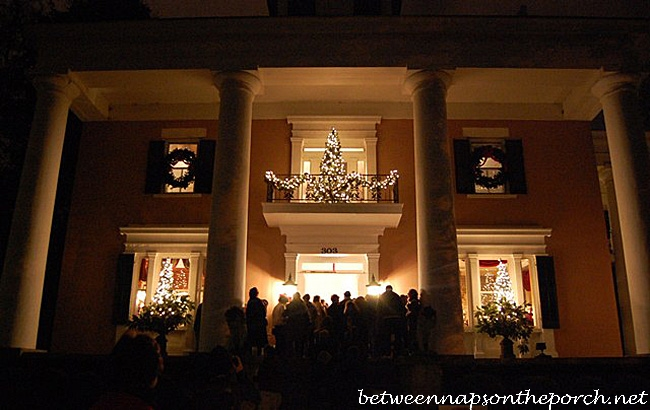 Christmas Decorating Ideas: Porches, Doors and Windows – Between .