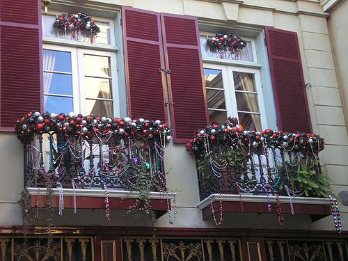 New Orleans Square balcony christmas decorations | Indoor .